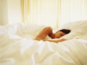 В якій позі найкорисніше спати ?