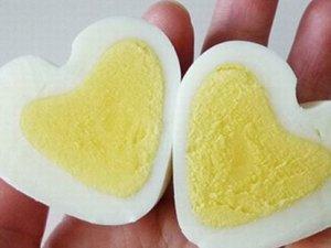 Як зробити сердечко з варених яєць