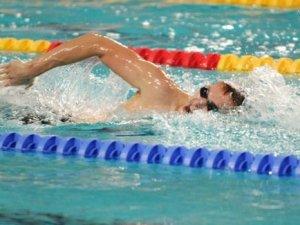 Плавання - єдиний вид спорту, що збільшує апетит