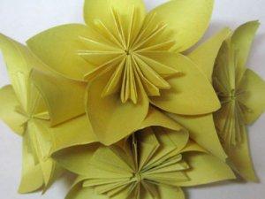 Як зробити квітку (орігамі)