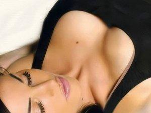 Як збільшити свої груди?
