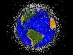 Роботи прибиратимуть космічне сміття!