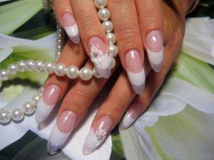 Дамські пальчики. Як слідкувати за нігтями?