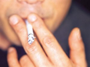 Куріння призводить до зниження розумових здібностей у чоловіків