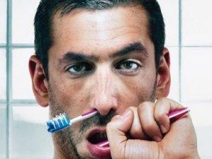 Як з'явилася зубна щітка?