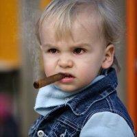 Чому дитина починає палити