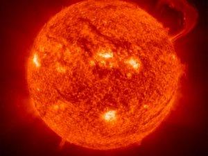Світла потрібні сотні тисяч років, щоб вийти із Сонця