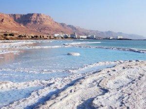 Які чудеса є на Мертвому морі?