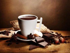 Вічна боротьба із зайвою вагою. А чи корисний шоколад?