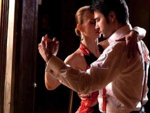 Як насолоджуватися життям? Танцуйте танго!
