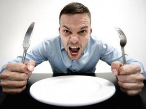 10 причин, чому ви вічно голодні