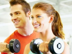 4 причини, чому пари повинні тренуватися разом